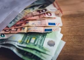 Kurs euro odreagował względem dolara. Giełdy odbijają na bazie nadziei na interwencję, mimo złych danych z Chin