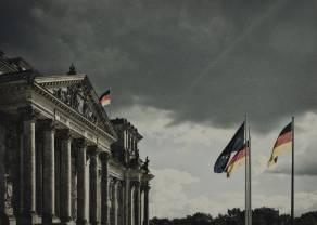 Kurs euro rośnie trzeci tydzień. Łącznie EURPLN wzrósł o 8 groszy