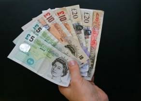 Kurs funta do złotego (GBP/PLN) odrabia straty. Ile złotych kosztują euro, frank, dolar i funt w poniedziałek po południu?