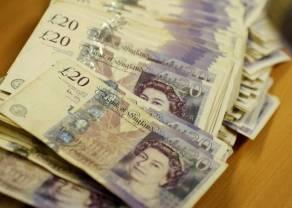 Kurs funta (GBP/PLN) w dół. Euro, dolar i frank zyskują względem złotego. Kursy walut na rynku Forex 25 lutego