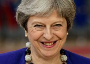 Kurs funta rośnie. Theresa May przekłada głosowanie w sprawie Brexitu!