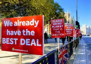 Kurs funta spada w piątek najniżej do 4,967 złotego! Wciąż nie wiadomo, co dalej z Brexitem