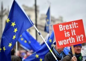 Kurs funta vs Brexit. Co czeka go po miażdżącej porażce Theresy May?