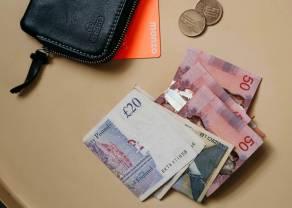 Kurs funta w dół względem dolara. Raporty PMI mogą zaświecić czerwoną lampkę dla globalnej gospodarki