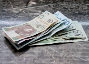 Kurs polskiego złotego mocniejszy od dolara, franka i funta. Jednak kurs euro zyskuje do złotówki
