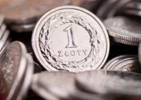 Kursy dolara (USD/PLN) i funta (GBP/PLN) poleciały w dół. Polski złoty odzyskuje siły. Co z euro, frankiem i koroną czeską?