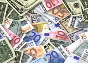 Kursy funta, franka, euro i dolara  (GBP, CHF, EUR, USD) na rynku Forex. Ile złotych zapłacimy za te waluty we wtorek po południu?
