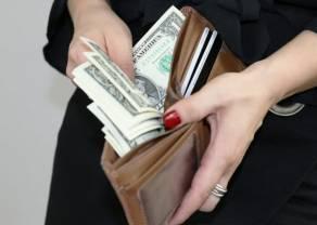 Kursy walut na ten weekend. Ile złotych musisz zapłacić za euro, dolara, funta i franka w sobotę i niedzielę? Waluty online