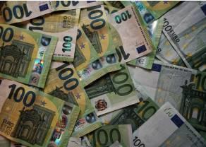Kursy walut: Polski złoty znów słabnie. Euro prawie po 4,50 złotego, dolar również w górę