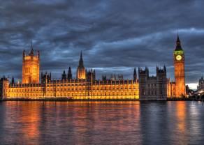 May porusza rynki i brytyjski parlament