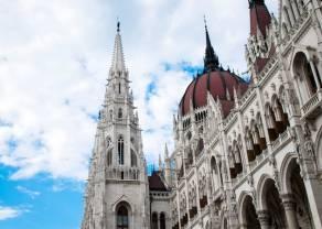 Możliwe umocnienie forinta węgierskiego HUF w stosunku do dolara USD. Analiza kursu USDHUF na dużych interwałach