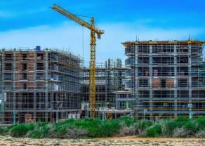 Najbardziej niepokojącym sygnałem jest spowolnienie na rynku nieruchomości. Sprzedaż samochodów też spada