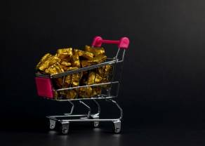 Notowania złota pod presją wydarzeń ekonomicznych z USA, umiarkowana reakcja na jastrzębi Fed
