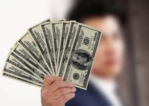 Odwrócona głowa z ramionami na USD/CHF? Coraz bliżej do sygnału kupna na dolarze