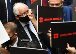 PiS wykończy złotówkę? Kurs euro najwyżej od dekady! Dolar, frank i funt także potężnie w górę