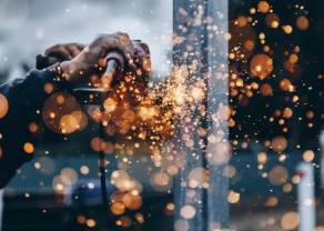 PMI w sierpniu. Przemysł się odradza, ale wolniej niż przed miesiącem