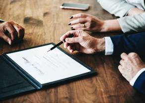 Blockchain, smart kontrakty i prawo - powstała pierwsza krypto-kancelaria