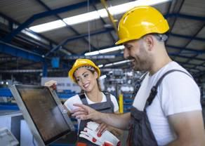 Prosto z rynku: Czy firmy ograniczają zatrudnienie dostosowując je do obniżonych możliwości produkcyjnych?