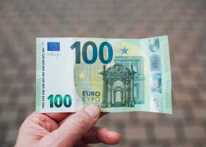 Przełom na kursie euro wobec dolara (EUR/USD). PMI w centrum uwagi, Europa nadrabia piątkowe spadki
