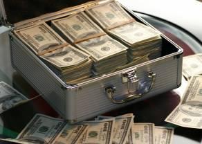 Raport: bogaci inwestują w kryptowaluty mimo braku wiedzy o rynku