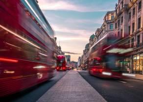 Dlaczego kurs funta spada? Rozmowy handlowe w toku, a dane z Wielkiej Brytanii w centrum uwagi