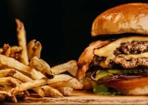 Ruch w fast foodach wciąż na dużym minusie. Według ekspertów prognozy są jednak optymistyczne