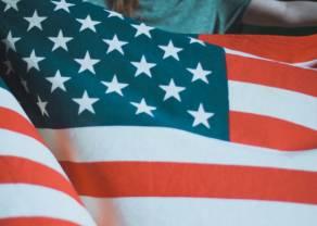 Rynki towarowe: przed wyborami w USA surowce prześcigają akcje
