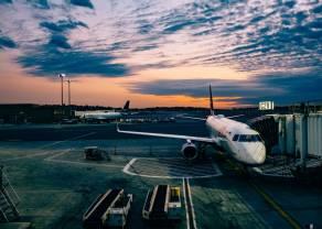 Rząd Francji na ratunek liniom lotniczym. Sytuacja w Polsce.