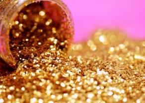 Słaby dolar USD wywinduje cenę złota do następnego poziomu. Prognozy Saxo na IV kwartał: Surowce