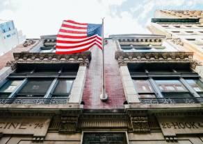 Solidne wzrosty na rynku akcji pomimo braku inwestorów z USA i UK. Notowania giełdowe