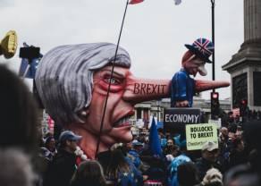 Spadki kursu funta (GBP) związane z Brexitem. Obawy handlowe powracają, dane CPI z Wlk. Brytanii w centrum uwagi