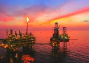 Spokojny początek tygodnia na rynkach surowcowych. Ile dolarów USD kosztuje dziś baryłka ropy Brent oraz WTI?