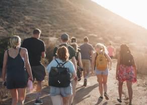 Sposoby na bezpiecznie eventy firmowe, pomysły na wesela i praktyczne wskazówki na wyjazdy w czasach odmrażania turystyki
