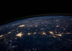Tesla i Falcon Heavy przekraczają orbitę wokółziemską