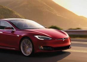 Tesla upadnie. Przejęcie jedynym ratunkiem.