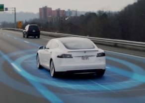 Tesla wyprzedza najbardziej wartościowego producenta samochodów na świecie - Toyotę