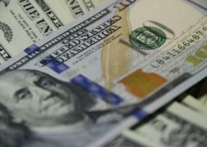 """Umocnienie kursu dolara. Euro blisko 4,55 PLN. Złoty słabszy, rynek podszedł """"z rezerwą"""" do chińskiego PMI"""