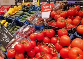 Warzywa w sklepach potaniały o blisko 5%, a owoce o ponad 4%. Według ekspertów, ma być jeszcze taniej