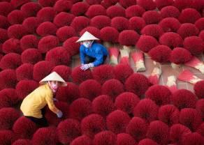 Wiadomości giełdowe. Chiny szykują się do kolejnych dewastujących regulacji - rynki azjatyckie pod presją