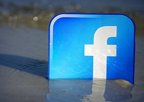 Wyniki Facebook'a rozczarowują. Wojna handlowa USA - Europa załagodzona. Kursy walut o poranku - komentarz