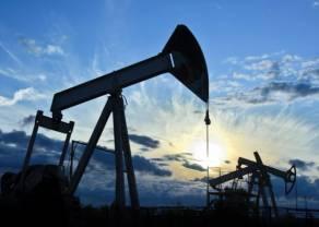 Wzrost awersji do ryzyka hamuje zwyżki cen ropy naftowej. Spadki notowań złota ograniczane rosnącą awersją do ryzyka