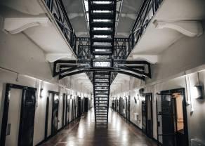 Za wymianę walut można trafić do więzienia? Historia wymiany walut w Polsce