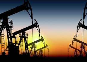 Zapowiedzi zaostrzenia amerykańskich sankcji na Iran winduje cenę ropy w górę. Wtorkowy przegląd surowców