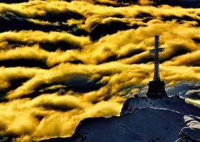 Złoty krzyż i krzyż śmierci- brzmi spektakularnie, ale czy jest skuteczne?