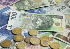 Złoty się umocni? Kurs euro próbuje odbić. Rozjechanie się bezpiecznych przystani: jen zyskuje, a frank traci
