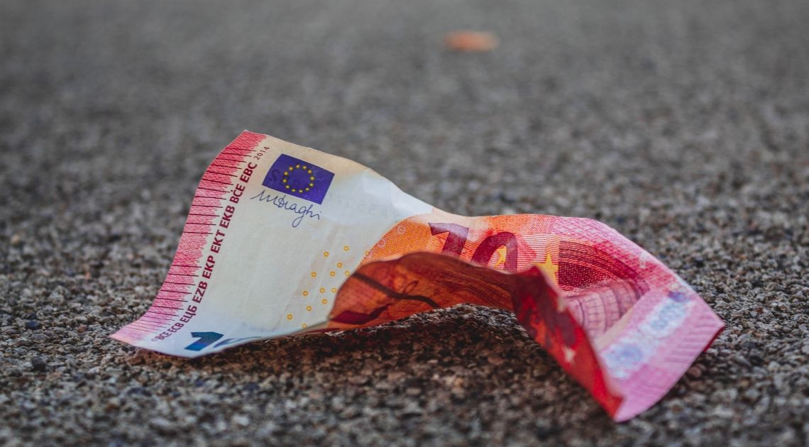 1.5 bln USD i 822 mld EUR na ratowanie gospodarki! Rekord zgonów we Włoszech.