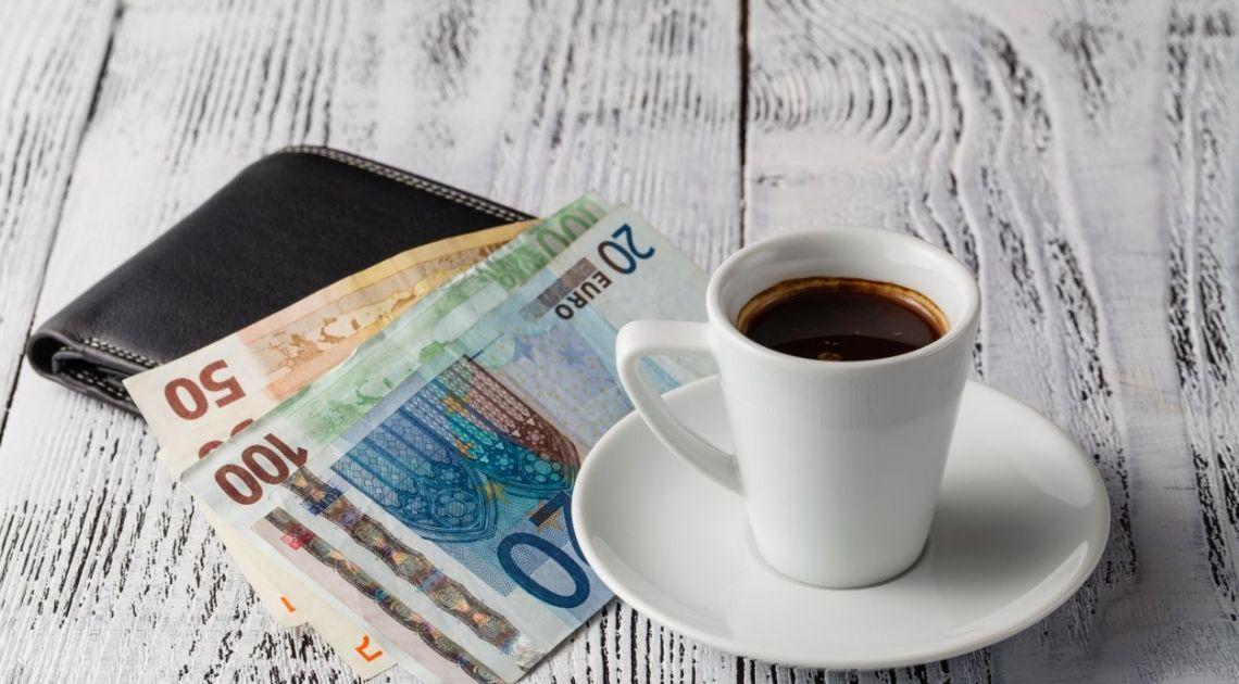 Średnie kursy walut poranną porą 14 grudnia. Dolar amerykański kosztuje 3.663 polskich złotych(PLN)! Sprawdzamy też kursy walut euro, funta i franka