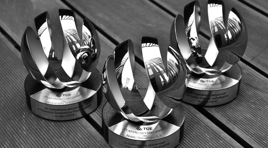"""3 statuetki """"Platynowego Megawata"""" dla Noble Securities S.A"""