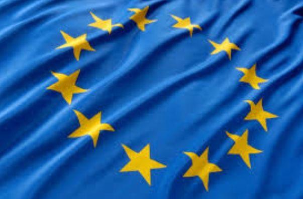72 procent Polaków uważa, że wyjście Polski z Unii Europejskiej nie jest obecnie realne