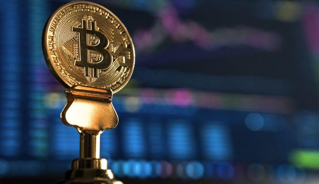 Bitcoin przełamuje linię trendu spadkowego!